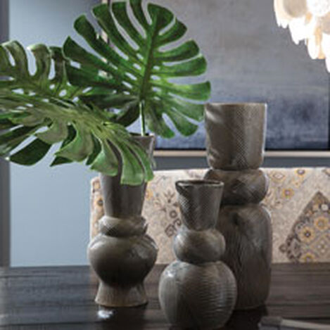 Palawan Ceramic Vase Product Tile Hover Image 431727