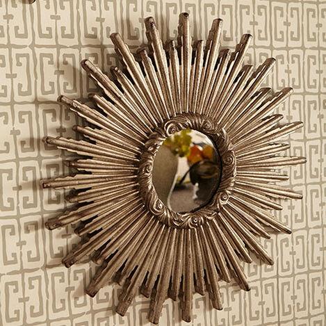 Miroir en forme d'étoile argentée 61cm Product Tile Hover Image 074078B