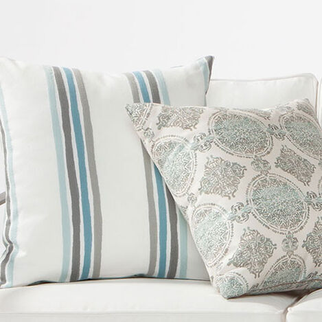 Outdoor Striped Pillow Product Tile Hover Image 404720MST