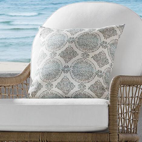 Falco Vapor Outdoor Pillow Product Tile Hover Image 408111 P8620